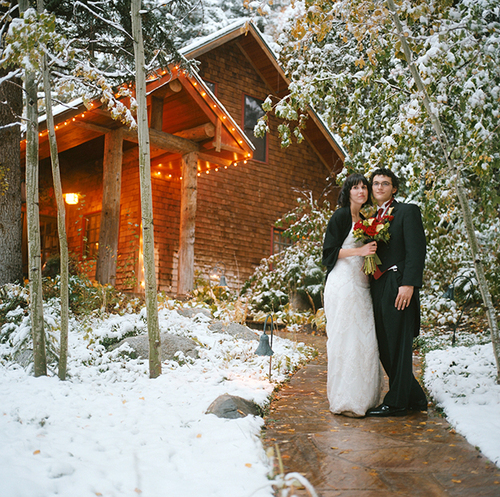 3 reasons to get married in the winter chicago wedding blog for Log cabin wedding
