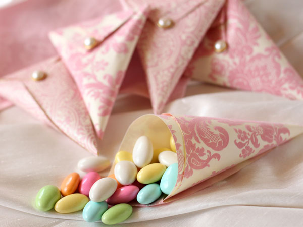 Jordan Almonds Have Long Been A Por Wedding Favor Among Brides And It S Not Just Because They Re Tasty Inexpensive The Tradition Of Serving