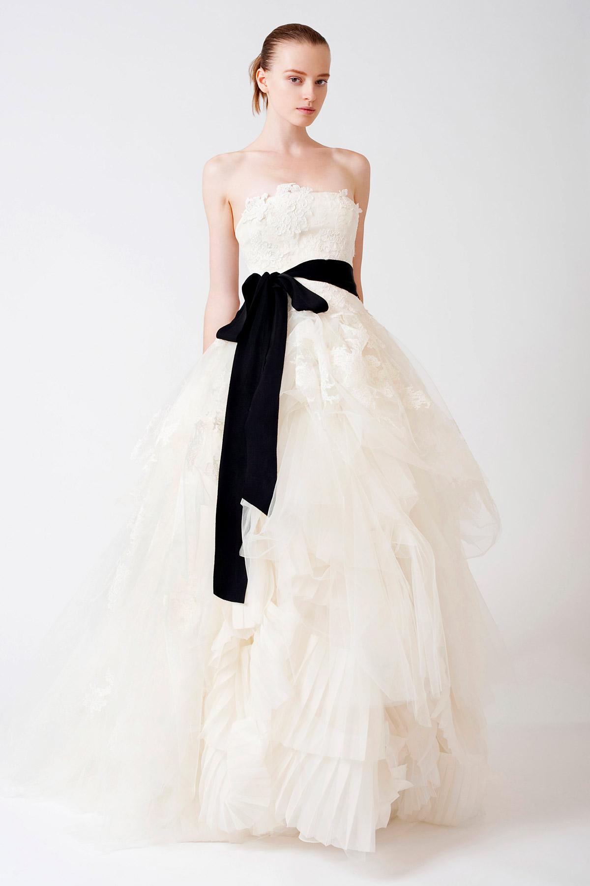 The recycled bride chicago wedding blog vera wang eliza junglespirit Gallery