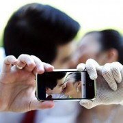 iphone-wedding-e1354129823455