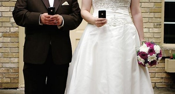 10 iPhone Apps for Wedding Planning