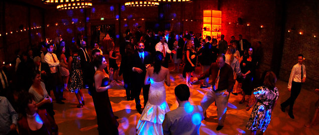 7 Top Tips For Throwing A Grand Party In A Small Home: Top 5 Reception Songs
