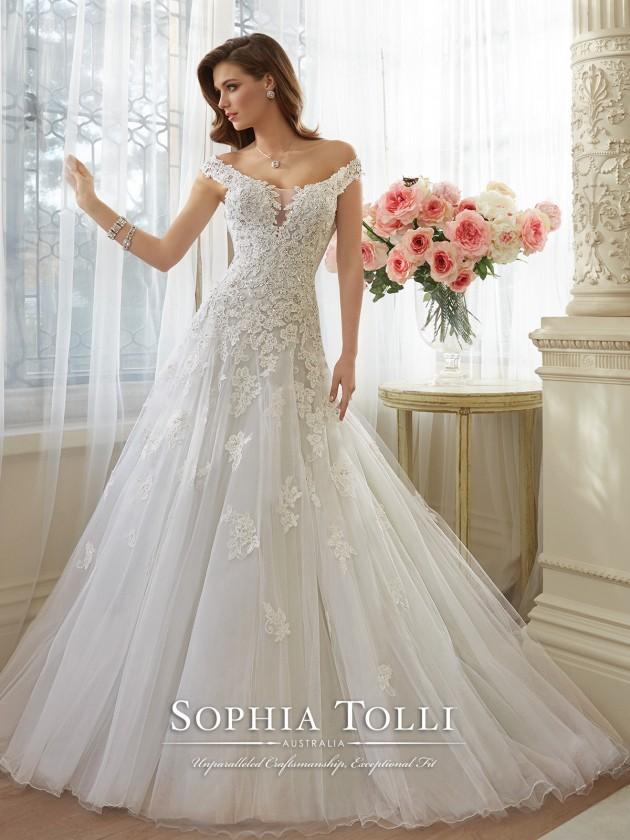 Wedding Dresses Archives - Chicago Wedding Blog