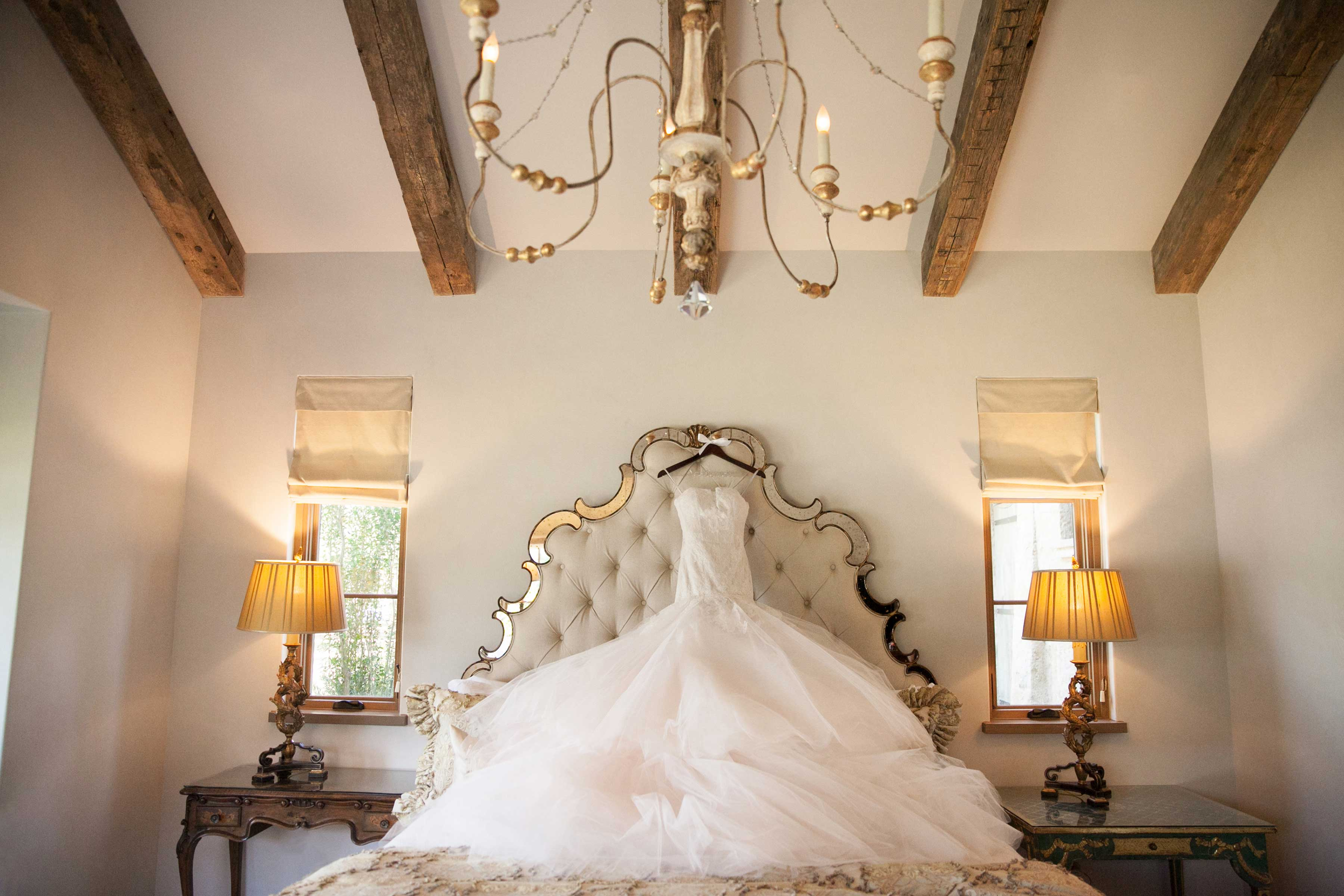 Do's And Don'ts Of Finding Your Wedding Dress