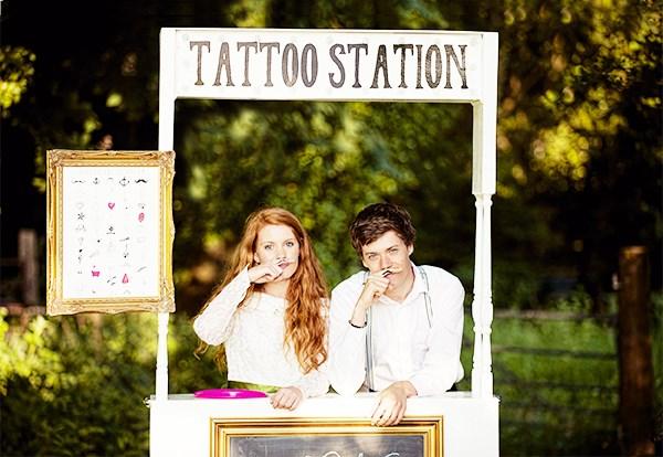 Tattoo Station Photo Cred Doris Loves Another Fun Wedding Idea