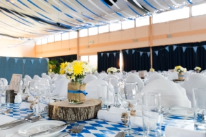 Help the bride with centerpieces